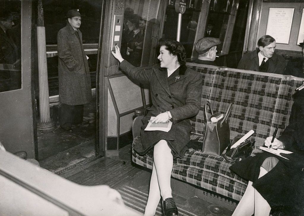 1506 1024x727 - London transport fabrics over the decades